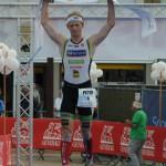 Pieter Heemeryck wint de 17de Zwintriatlon (foto: Mario Vanacker)