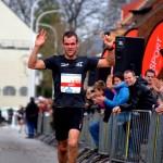 Bart Borghs wint voor de 3de keer de halve marathon (foto: Bart Van Thielen)