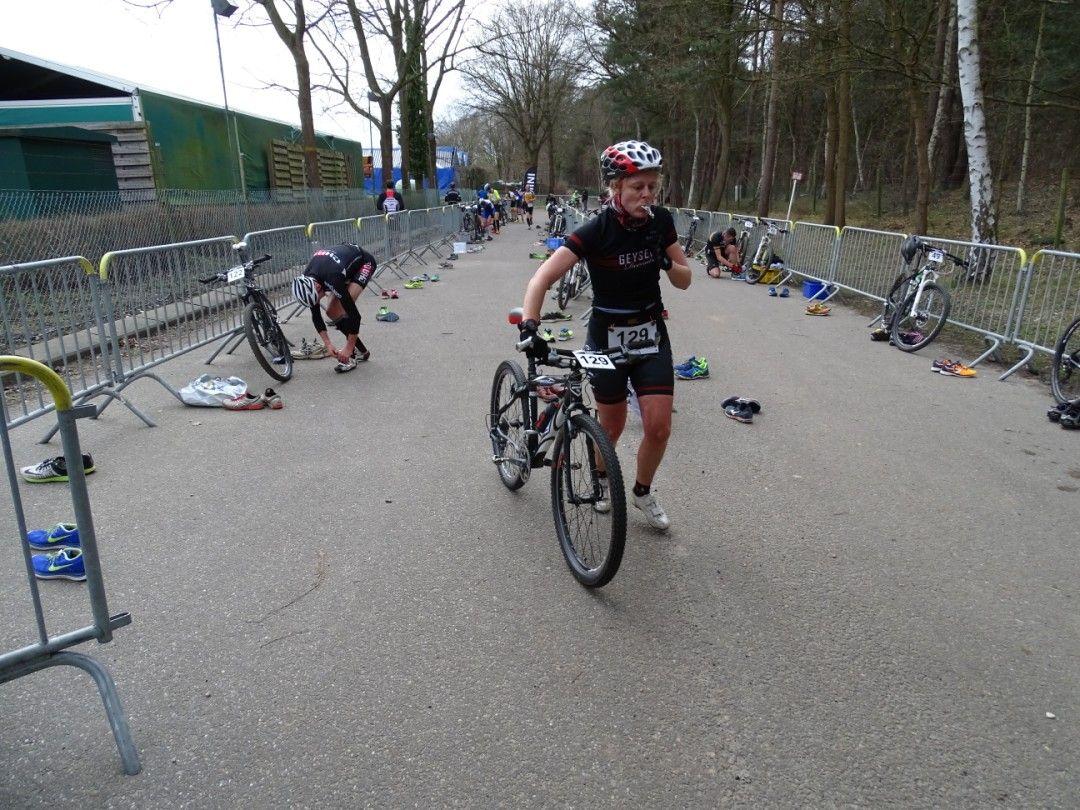 Leen Hannes in Geel-Bel (foto: Johan Tack)