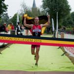 Simon De Cuyper wint in Gullegem (foto: Mario Vanacker)