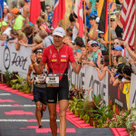 Rodolphe Von Berg aan de finish in Hawaii in 2016 (foto: Jim De Sitter)