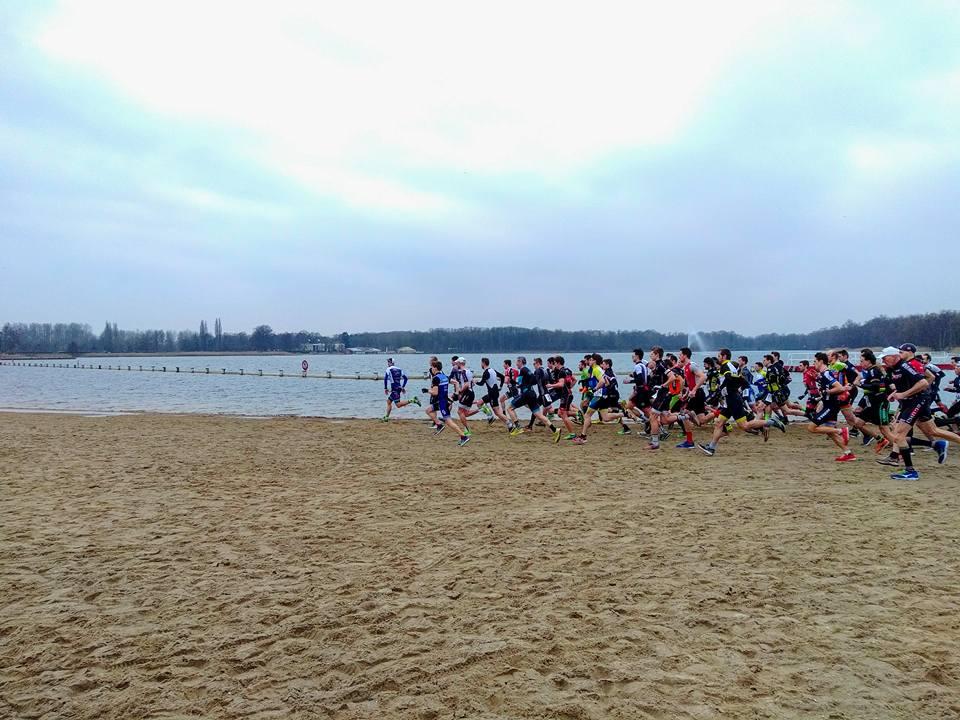 Start van de cross duatlon van Hofstade (foto: Melissa Gillisjans)