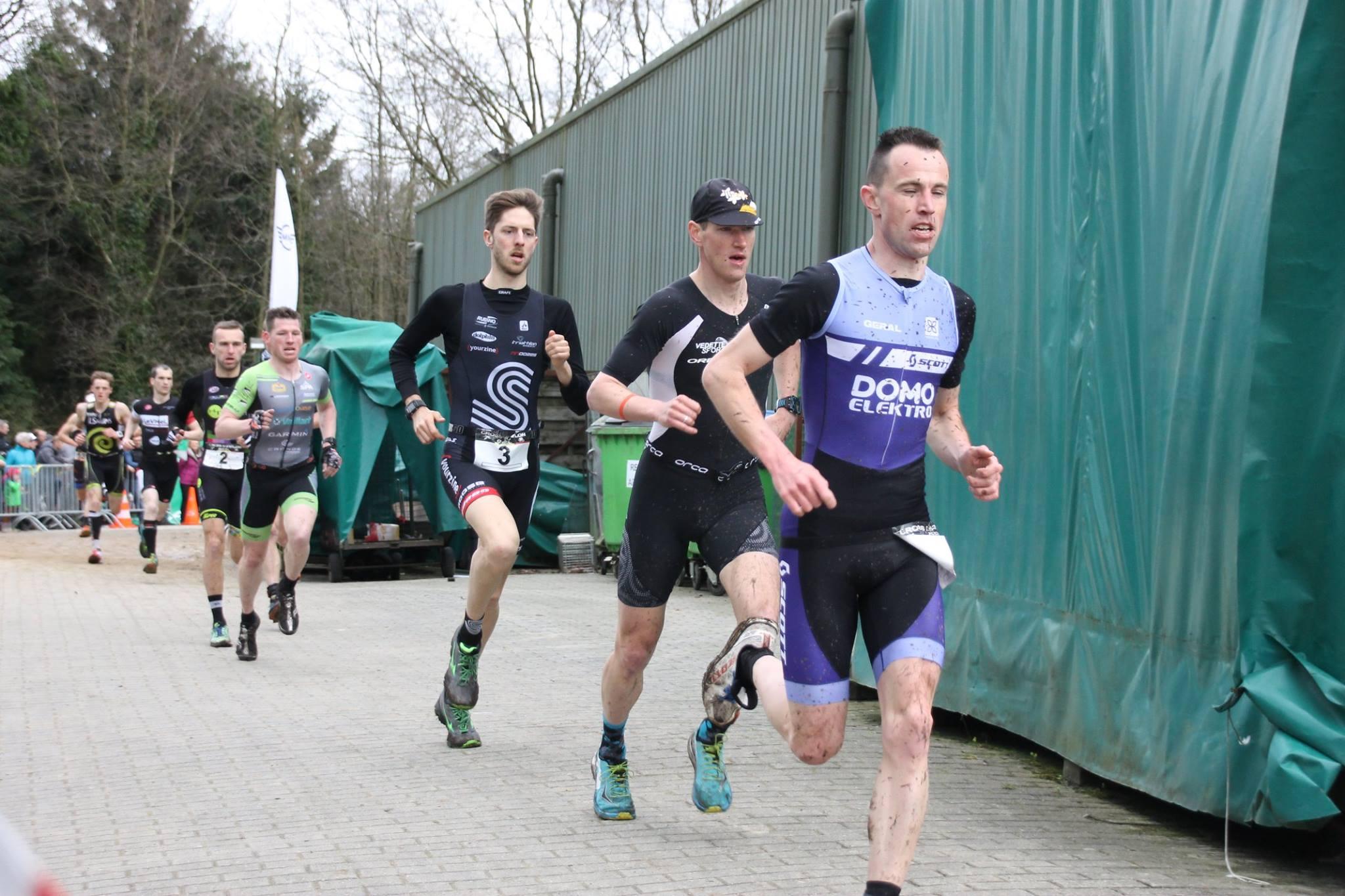 Glen Laurens voor Odeyn, Van Hemel en Lauryssen in de 1ste run (foto: Hans Moonen)