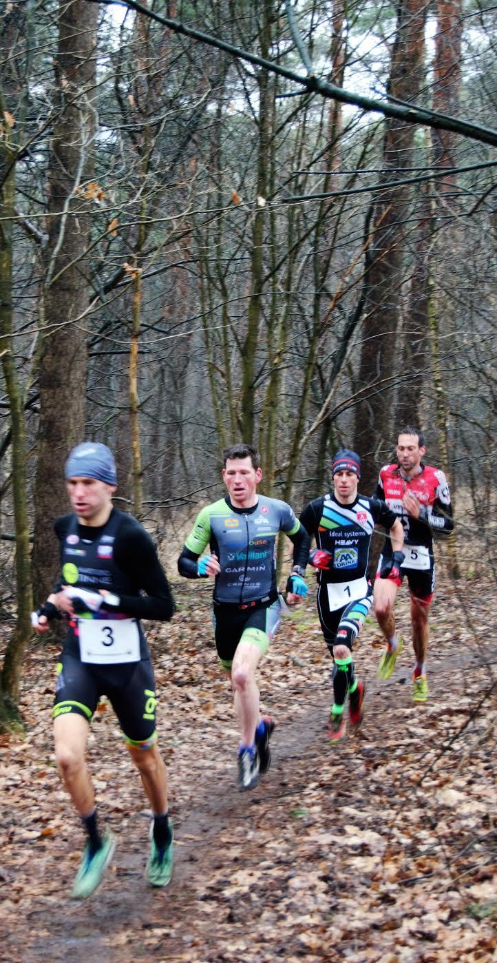 Thijs, Lauryssen, Luxem en Krug aan kop (foto: Marc Mercy)