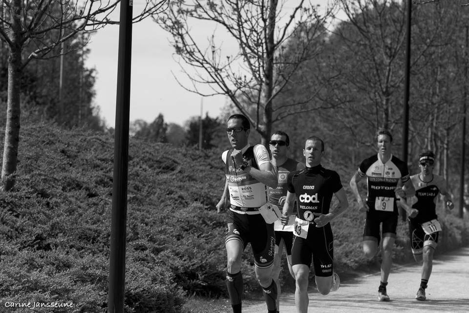 Koen Maris in de kopgroep in de eerste run (foto: Carine Jansseune)