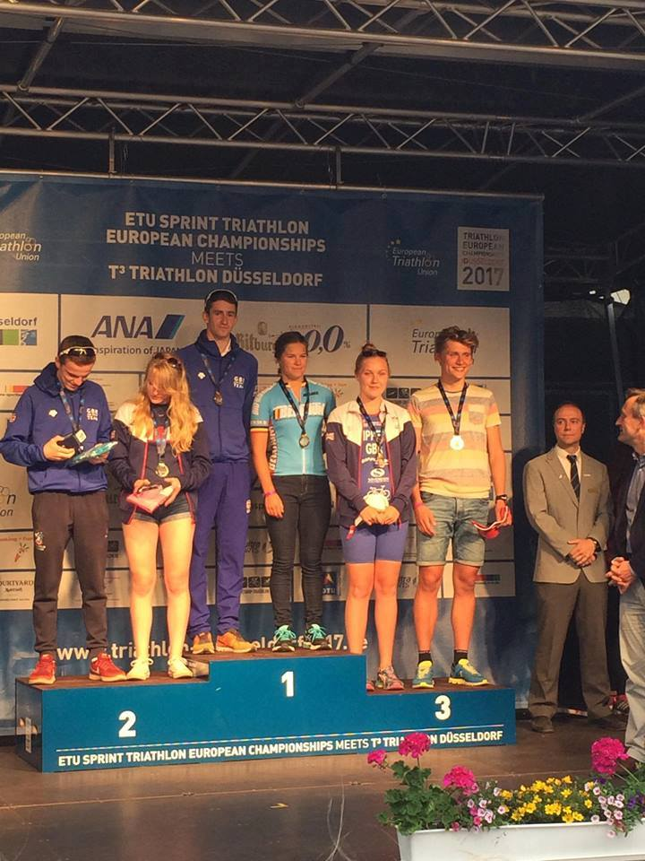 Amber Rombaut podium EK Didier Vandenbosch