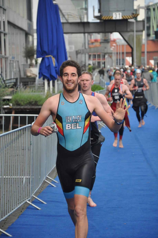 Frederik Van Dijck swim exit Dusseldorf
