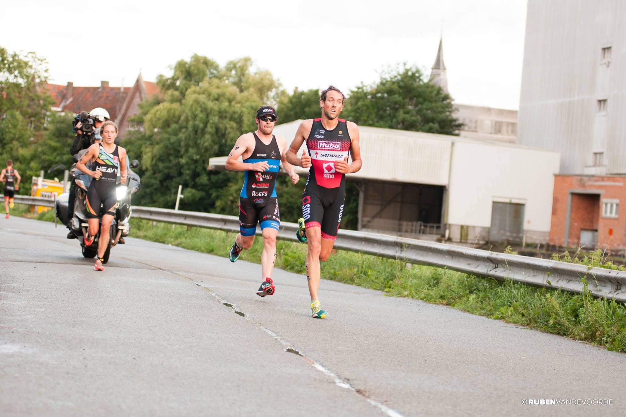 Valerie Barthelemy aan kop, voor haar Krug en Akershoek (foto: Ruben Vandevoorde)