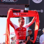 Alistair Brownlee wint IM703Dubai