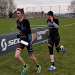 Yorben Verboven en Nick Thijs aan kop in Herderen (foto: 3athlon.be/Hans Cleemput)