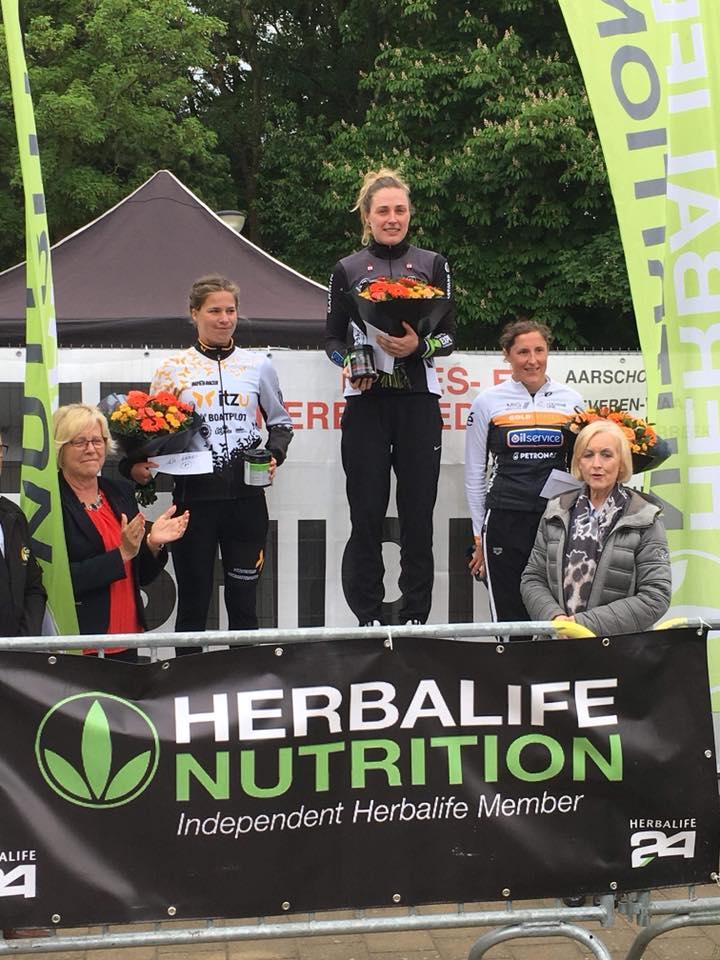 Charlotte Deldaele podium Geel