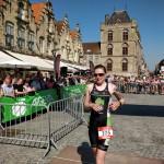 Charlotte Deldaele wint in Veurne (foto: 3athlon.be/Hans Cleemput)