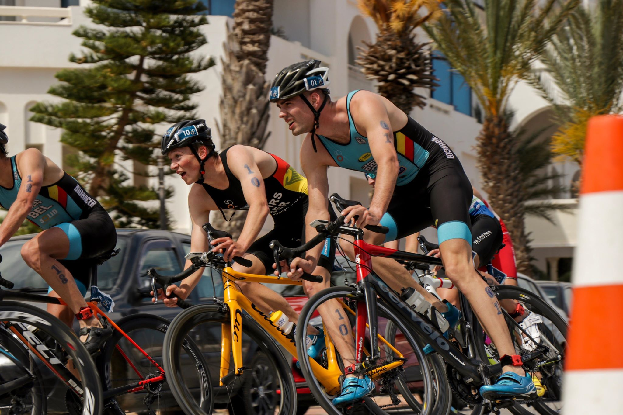Hernaert en Jurgens samen in de kopgroep in Tunesie (foto: Emilio Hernaert)