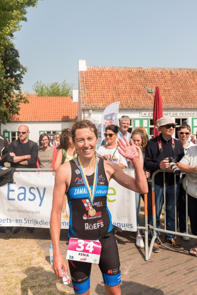 Xenia Luxem wint in Koksijde (foto: 3athlon.be/Johan Tack)