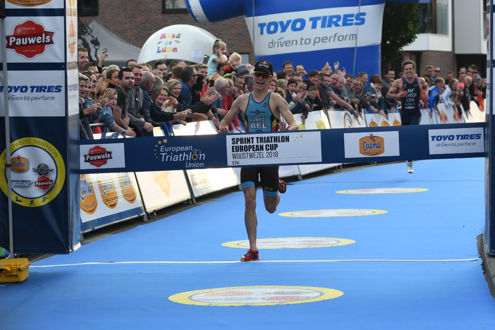Marten Van Riel wint in Wuustwezel (foto: 3athlon.be/Mario Vanacker)