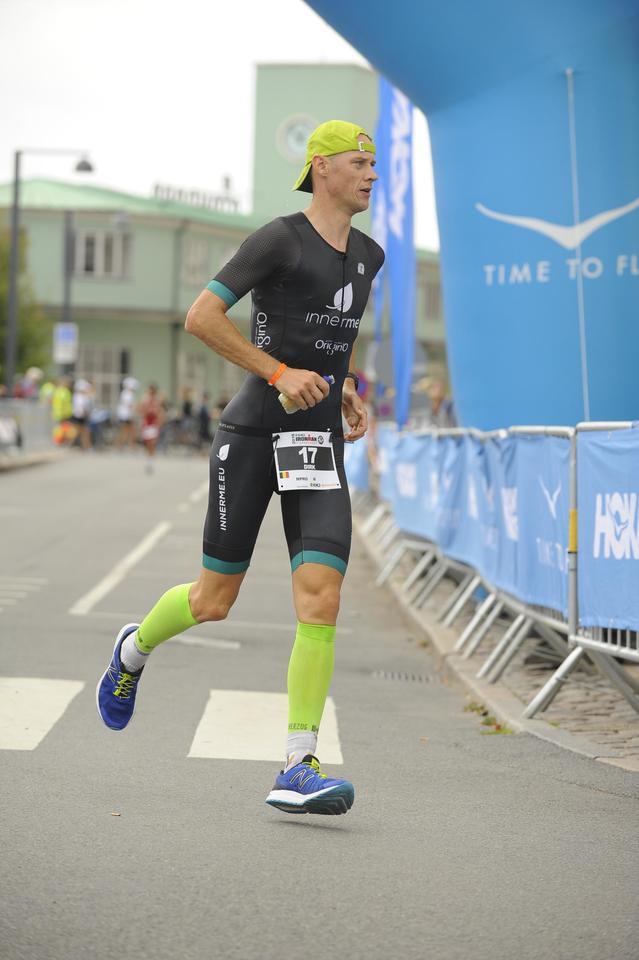 Dirk Baelus loopt behouden in de IM Kopenhagen  (foto: Dirk Baelus)