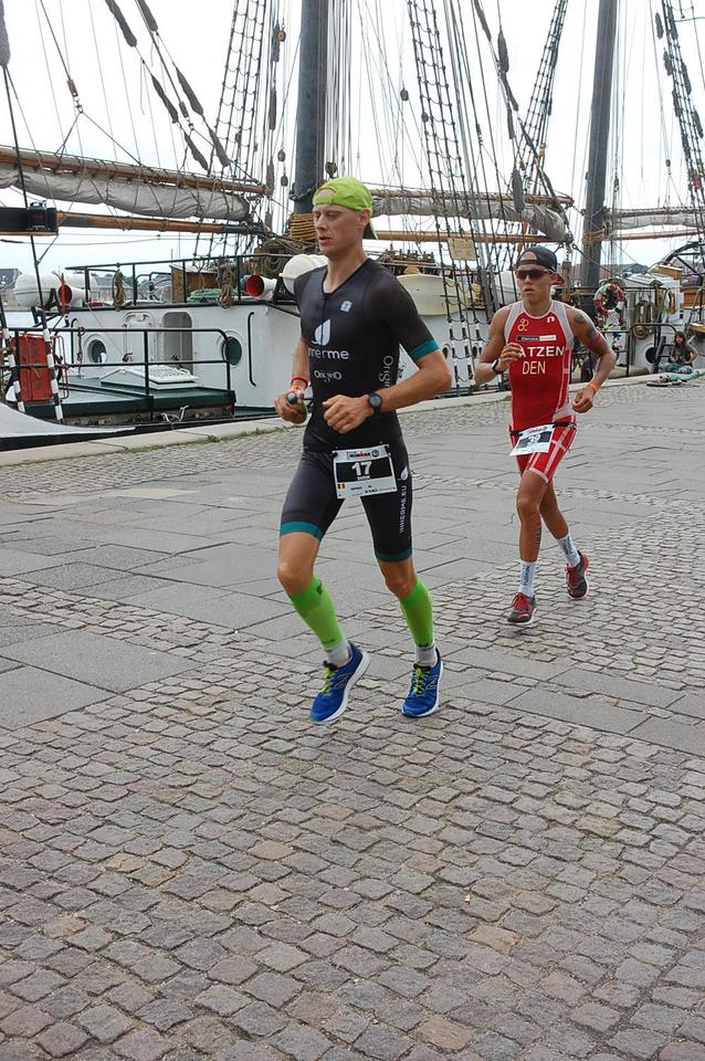 Dirk Baelus op weg naar zijn 4de sub-9  (foto: Dirk Baelus)