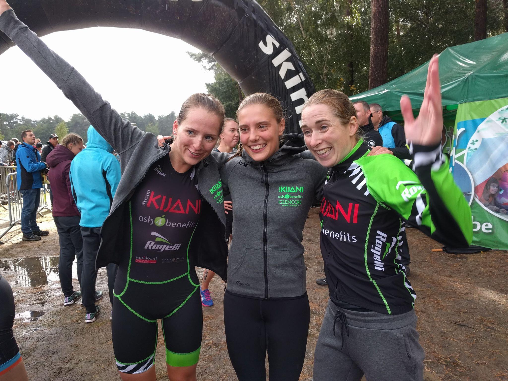 De winnende Kijani dames in Lille (foto: 3athlon.be)
