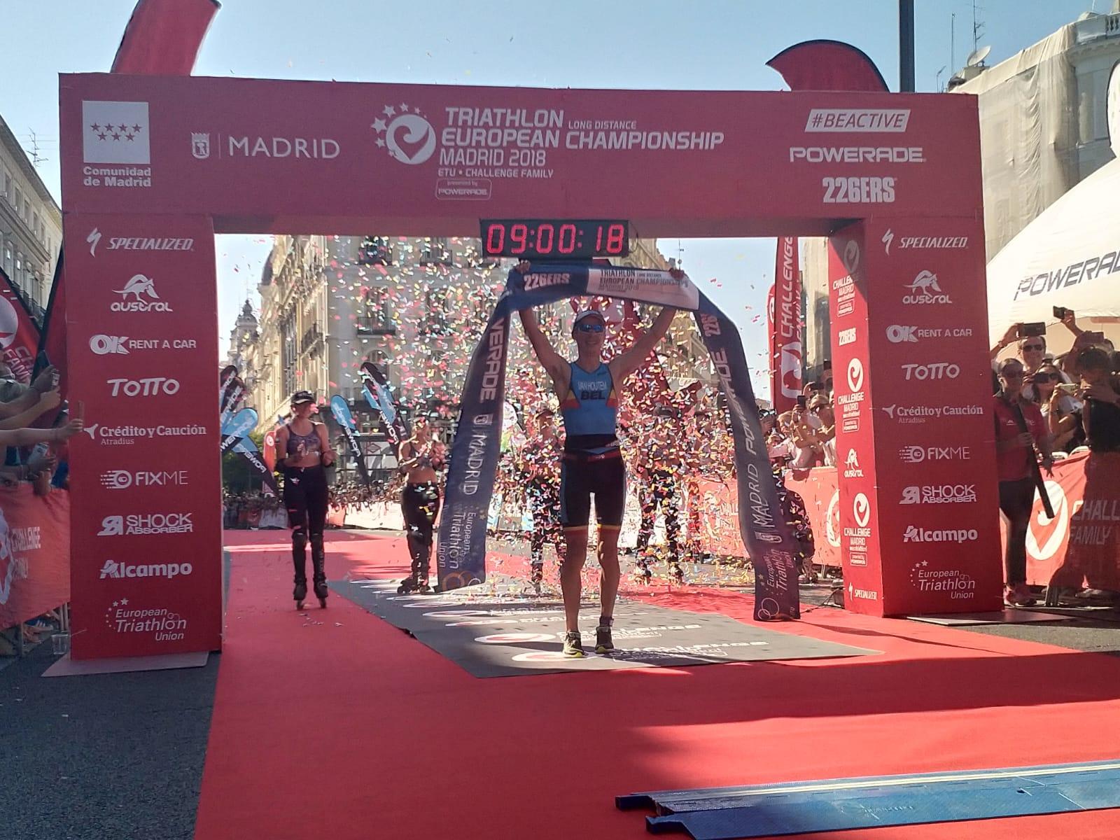 Timothy Van Houtem wint Ek in Madrid (foto: 3athlon.nl)
