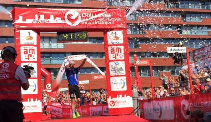 Barry Schrooyen derde in halve Challenge Almere