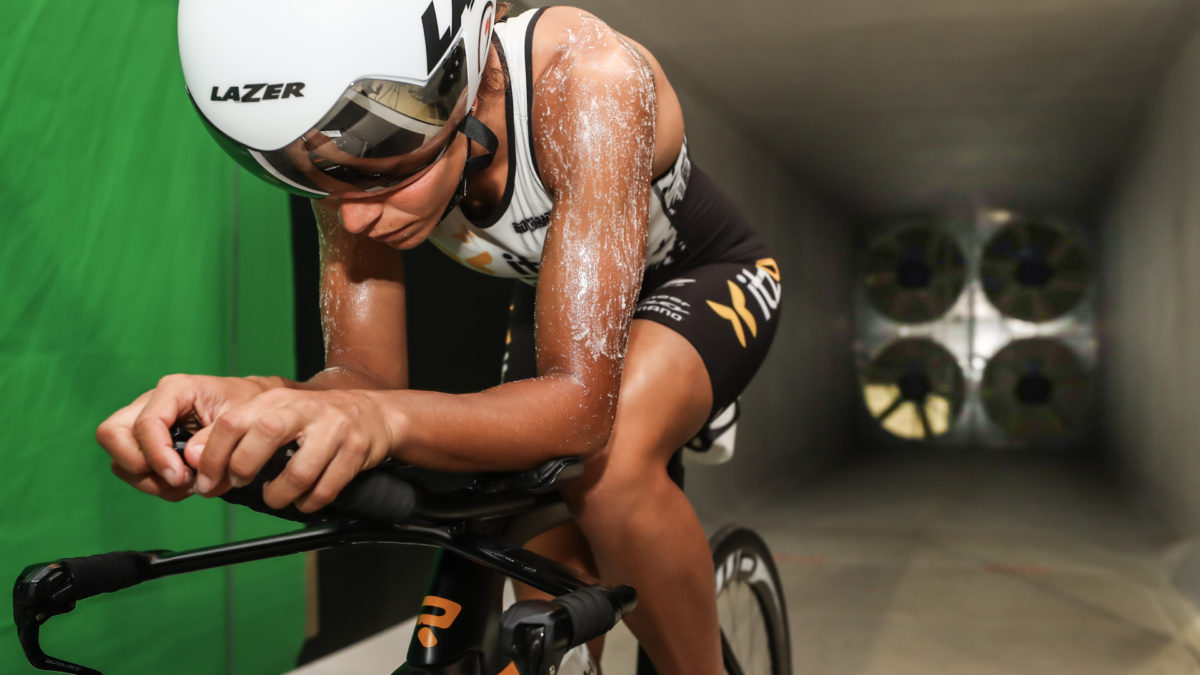 Itzu triatleten testen Belgische aero gel in windtunnel