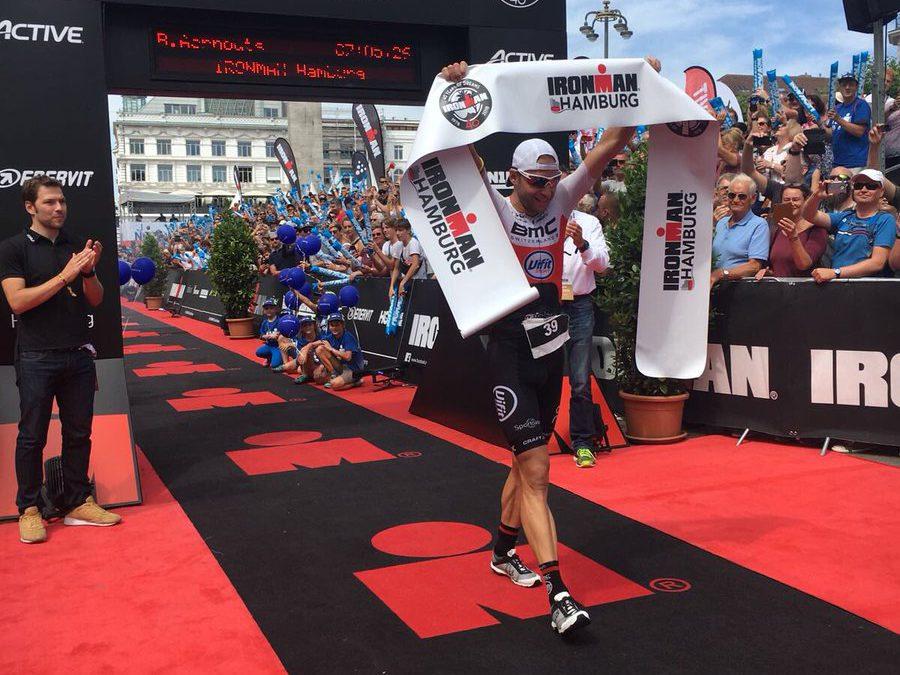 Bart Aernouts wint ingekorte Ironman Hamburg