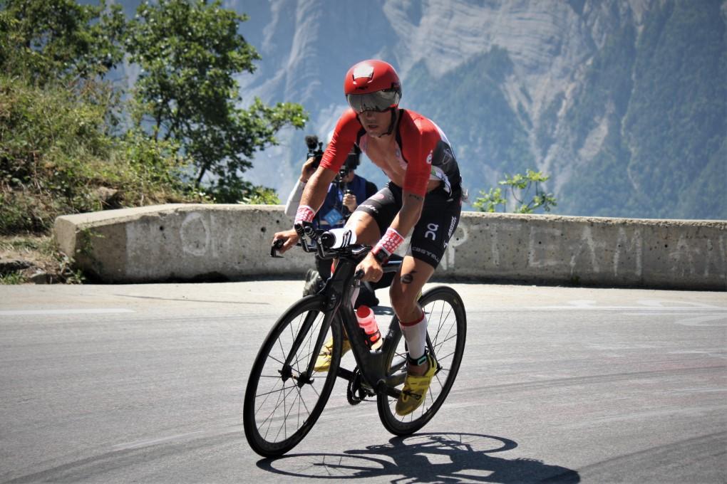 Frederik Van Lierde wint solo op Alpe d'Huez